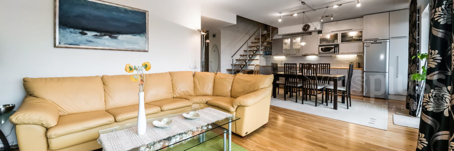 Ropka 24,  korter kahel korrusel